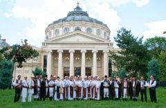 Festivalul internațional de folclor ,,Garofița Pietrei Craiului''